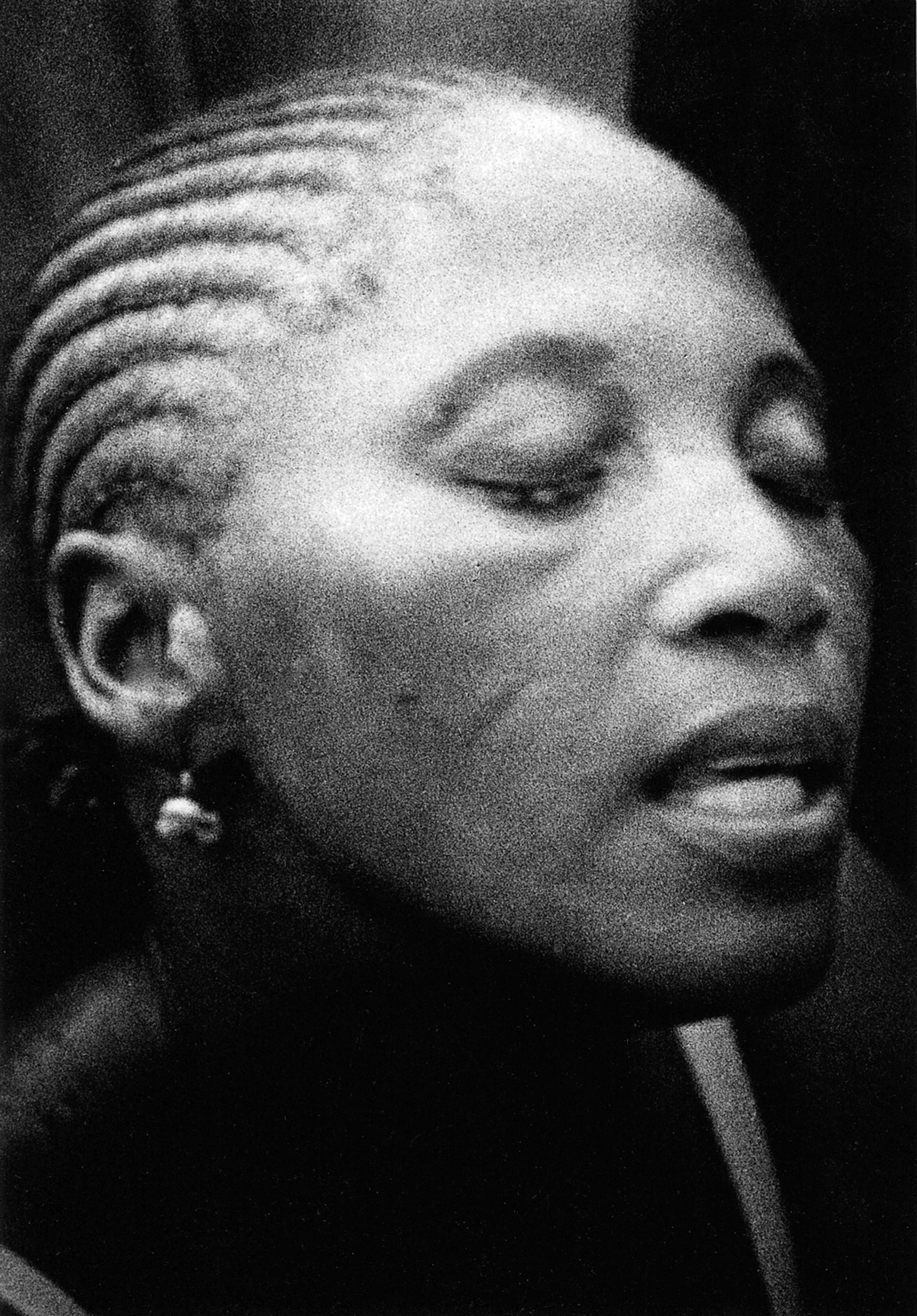 Sèrie: Viatge al país de les ànimes. Komian Adjoua Eponom posseïda per el esprit de Mami Watta. Costa d'Ivori 1998.
