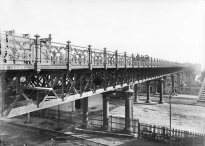 Pont de la secció marítima de l'Exposició Universal de Barcelona