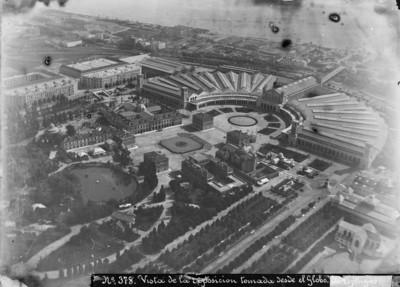 """Vista de l'eExposició Universal de Barcelona de 1888, presa des del globus aerostàtic """"El Cautivo"""""""