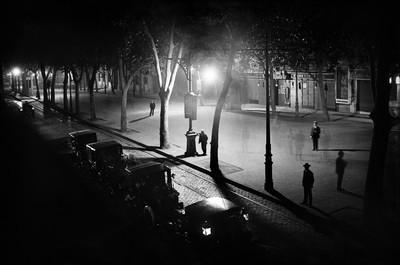 Vista nocturna del Passeig de Gràcia de Barcelona
