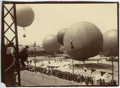 Concurs de globus aerostàtics a la Barceloneta