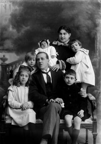 Retrat de la família Santpere Hernáez