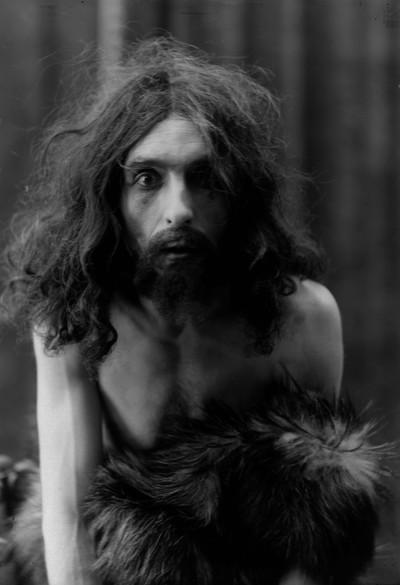 """Retrat de l'actor Ramon Tor en el paper de Joan Baptista a l'obra de teatre """"Salomé"""""""
