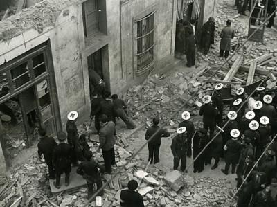 Efectes dels bombardejos al barri del Poble-sec de Barcelona