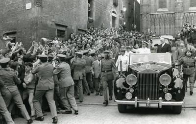 El cap de l'Estat Francisco Franco visita Barcelona