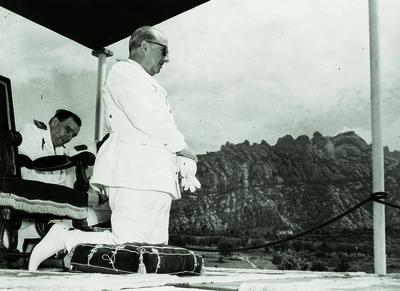 El cap de l'Estat Francisco Franco durant la missa de campanya al Bruc