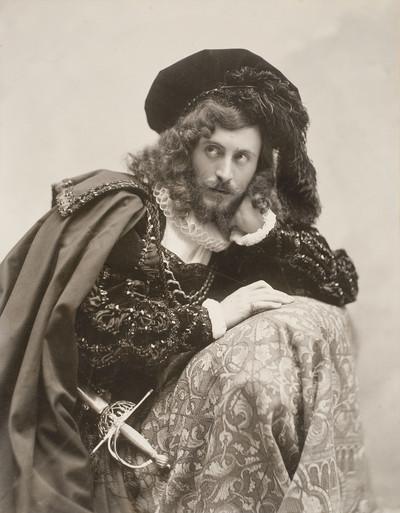 Retrat d'Eusebi Bertrand Serra vestit de Hamlet