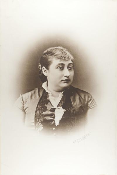 Retrat de la mare de Carles Casades de Còdol