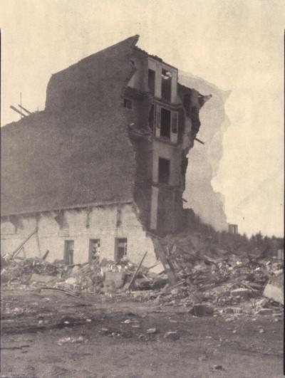Demolició a Icària 100