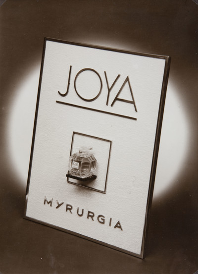 Fotografia publicitària per a Myrurgia. Colònia «Joya»