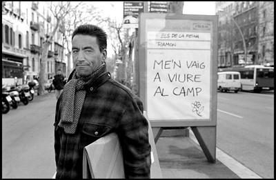 M´EN VAIG A VIURE AL CAMP (Barcelona 2004 com a mentida)