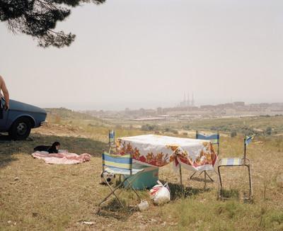 "Sin título (Mesa picnic). Serie ""Domingos"""