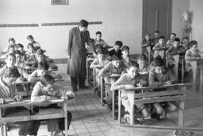 Nens al Grup Escolar