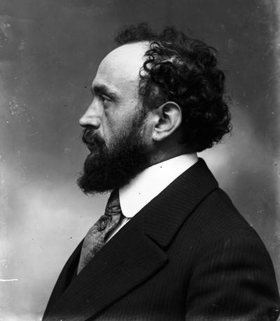 Retrat de l'escultor Josep Clarà