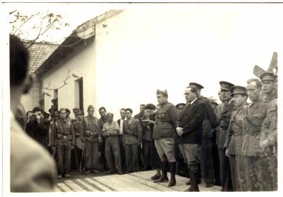 Autoritats a l'acte comiat de les Brigades Internacionals a les Masies de l'Espluga de Francolí.