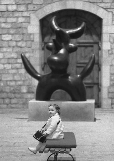 Nena i Ocell Miró. Sèrie Home /Obra