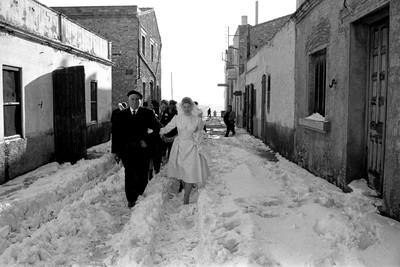 La nevada que va caure a l'Ametlla de Mar no va impedir a la núvia d'anar a l'altar.