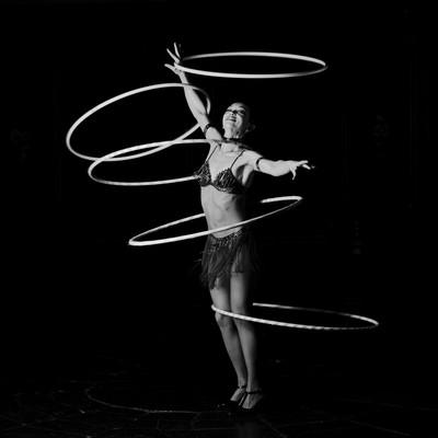 The Hoola-Hoop Woman - Circo Raluy - gener 2002 - Barcelona