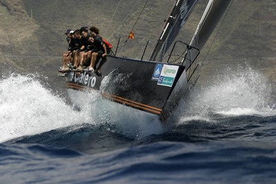 Iot a vela Puerto Calero navegant