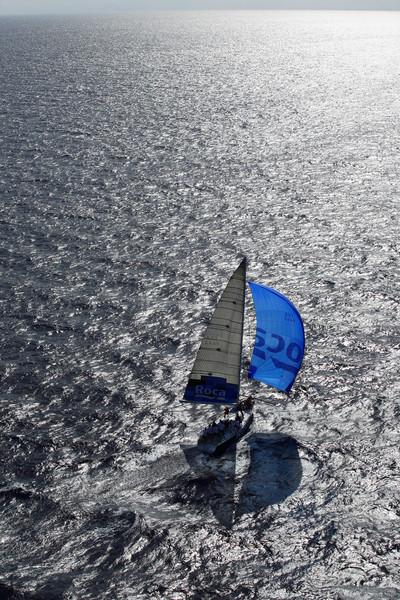 Iot a vela Roca navegant en aigües de Lanzarote