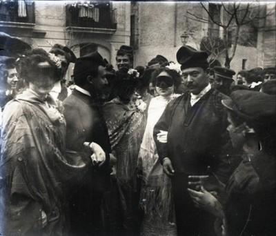 Grup de persones vestides pel Carnaval
