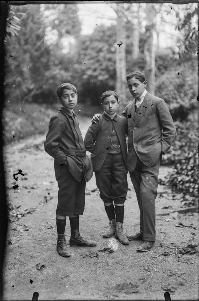 Manuel Blancafort  amb dos dels germans, Pere i Anton