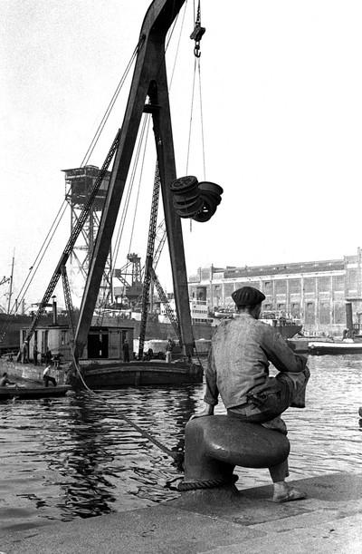 Home i càbria Esperanza al port de Barcelona