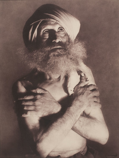 Home amb barba i turbant