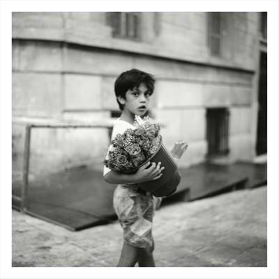 Correspondència amb Mediterrània-Xiquet amb flors-Atenes