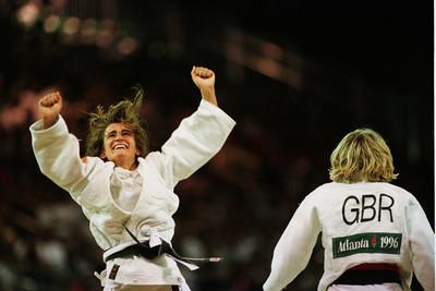 La judoka Isabel Fernández guanya la medalla de bronze als Jocs Olimpics d'Atlanta/ De la sèrie Jocs Olimpics