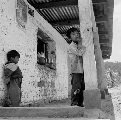 "En la tiendita. Col·lecció ""Guatemala"""