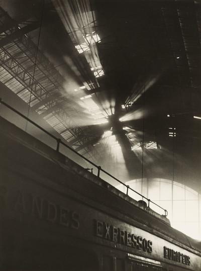 Llum filtrada (Estació de França, Barcelona)