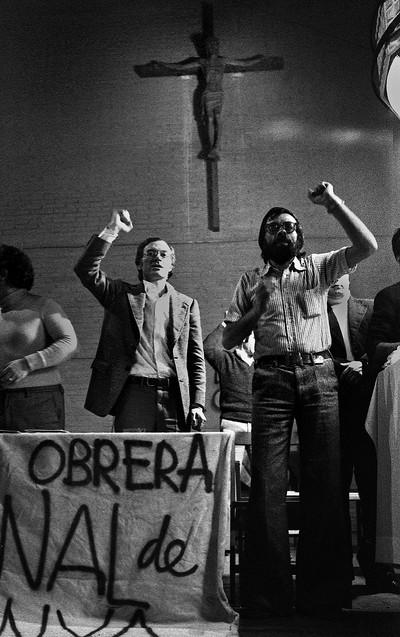 Assemblea Sindical a l'Església. Constitució de la Comissió Obrera Nacional de Catalunya, L'Hospitalet de Llobregat, 1976 de la sèrie l'Espanya de la Transició, 1976-1979