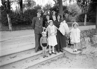 Consuelo Campillo en el retrat familiar d'un bateix