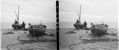 Pescadors a la platja de Caldes d'Estrac